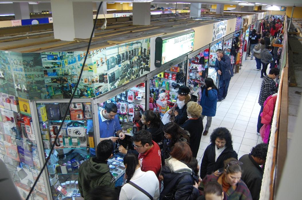 8d6047e06 Por dentro de um shopping popular
